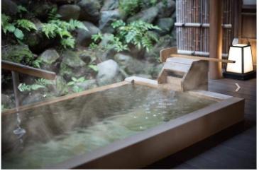 陣屋の最高グレード貴賓室の露天風呂