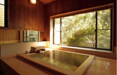 陣屋の内風呂付き「横笛」の檜風呂