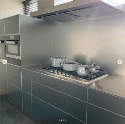 滝沢眞規子の自宅キッチンの値段とメーカーがすごい!