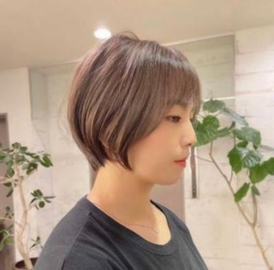 川井友香子がかわいい&美意識たっか!愛用の講師ブランドはどこの?